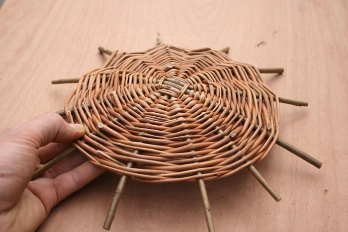 How to make a basket out of willow — pic 1