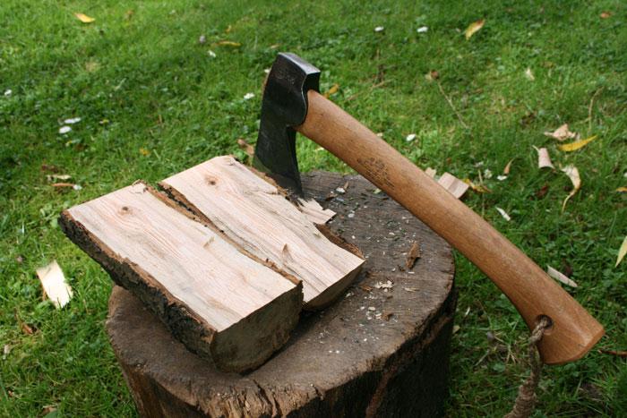 split a piece of wood 2