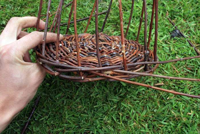 weaving a wicker basket the most comprehensive basket tutorial on the internet. Black Bedroom Furniture Sets. Home Design Ideas